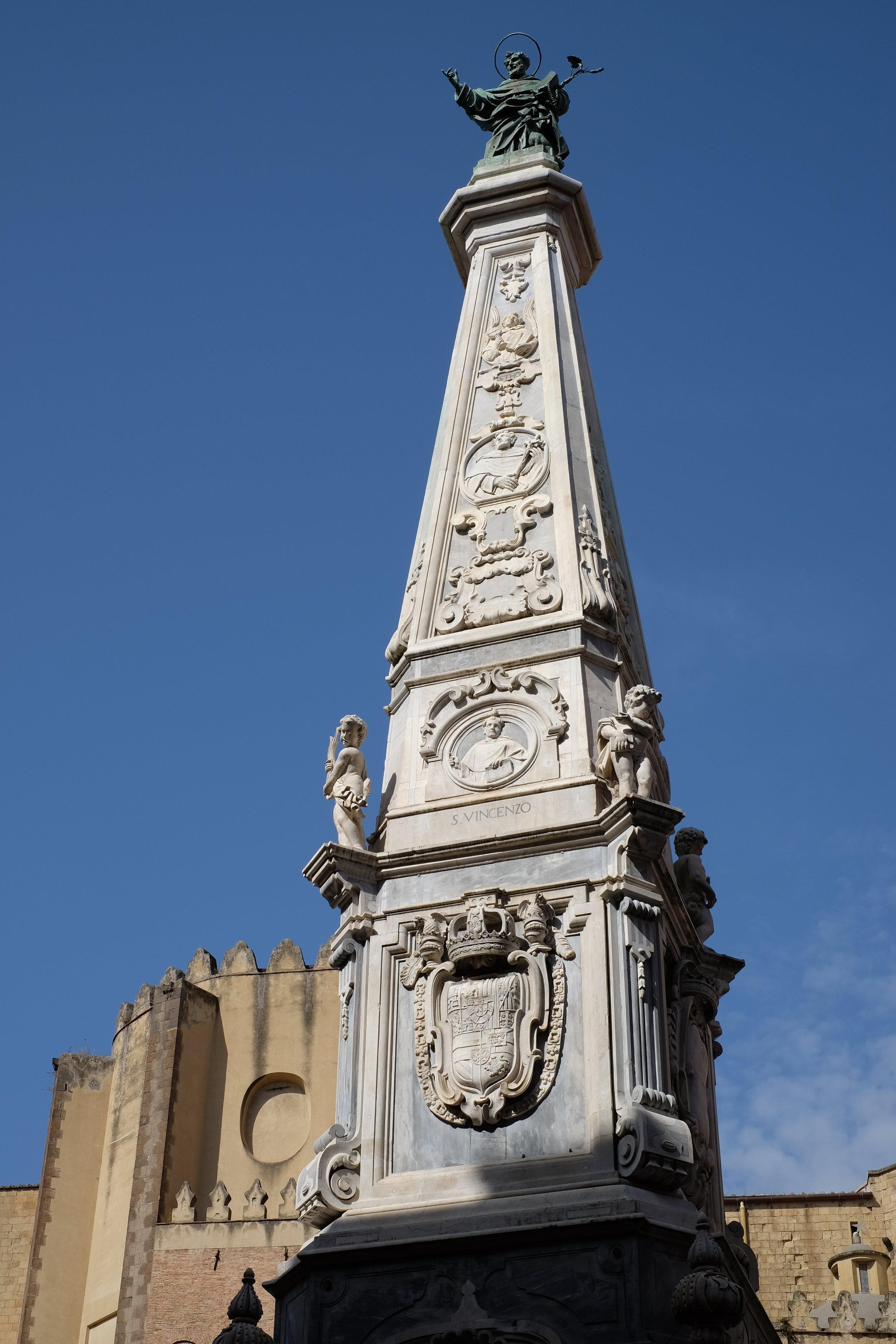 San Domenico guglia in piazza San Domenico.