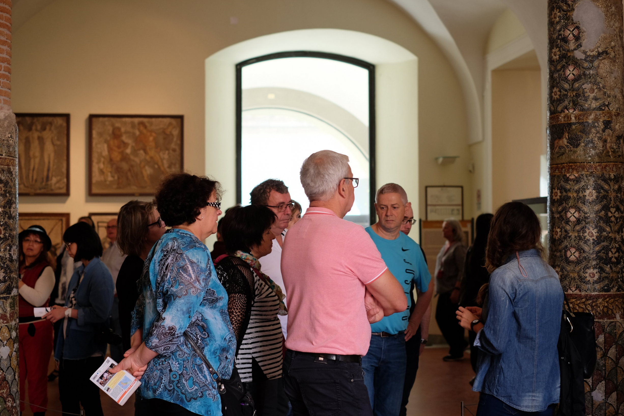 Guided tours in many languages available in the Museum.