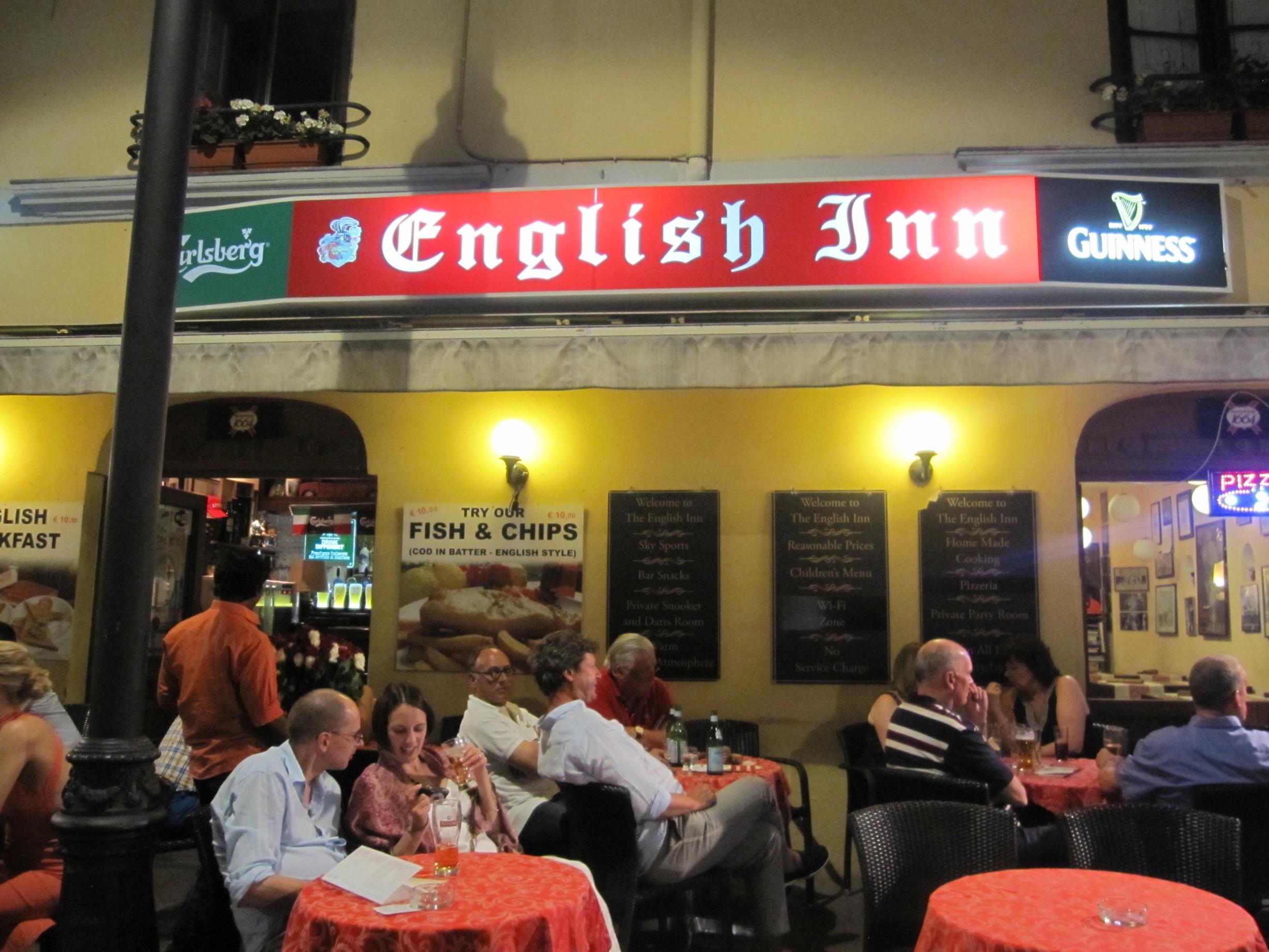 English pub in Sorrento.
