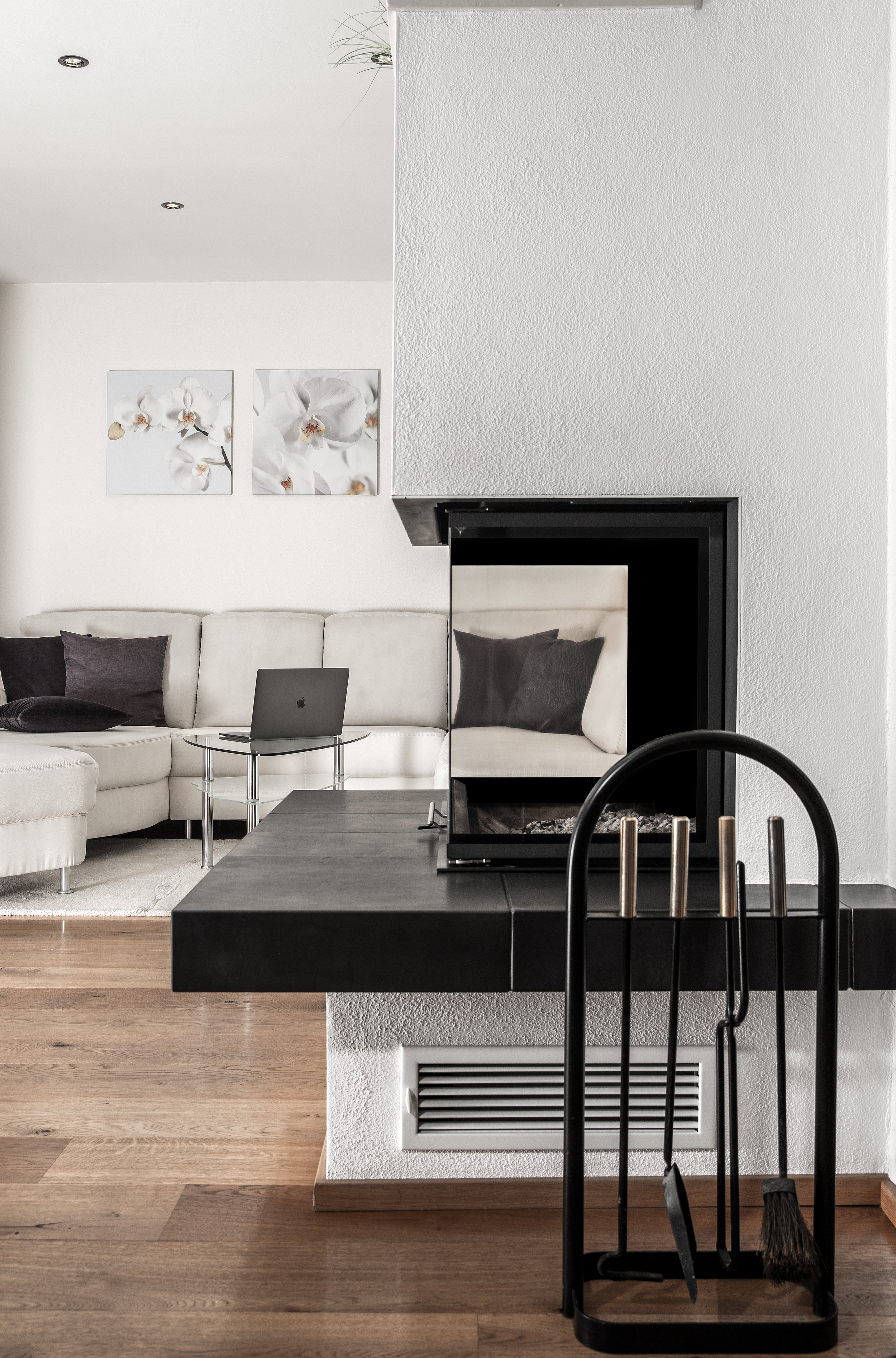3d visual from an online interior design open plan living and dining scheme. The project focused on Scandinavian and contemporary influences with a touch of masculinity and an appreciation for vacant space as much as filled space.