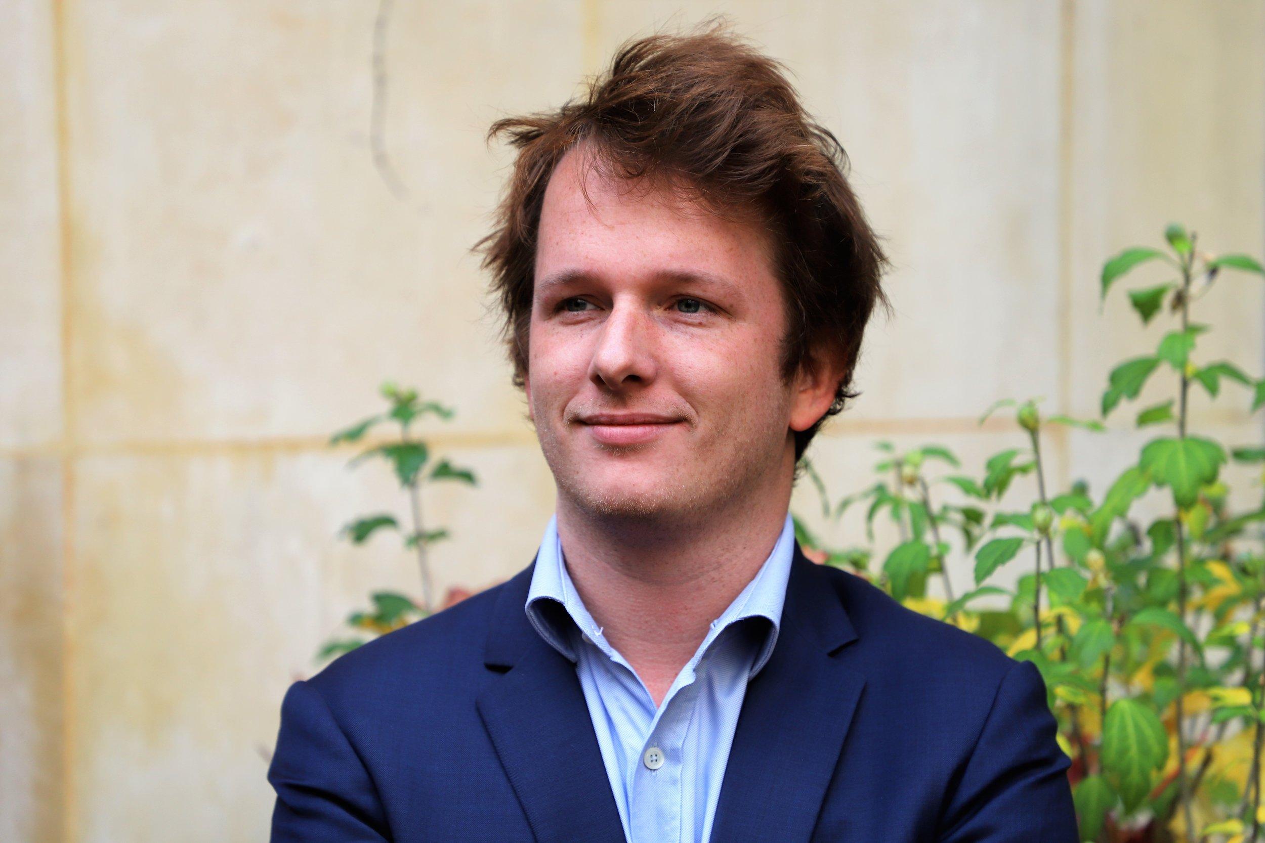 Nicolas de Chalonge, Responsable du Développement de l'agence de communication Mots-Clés.