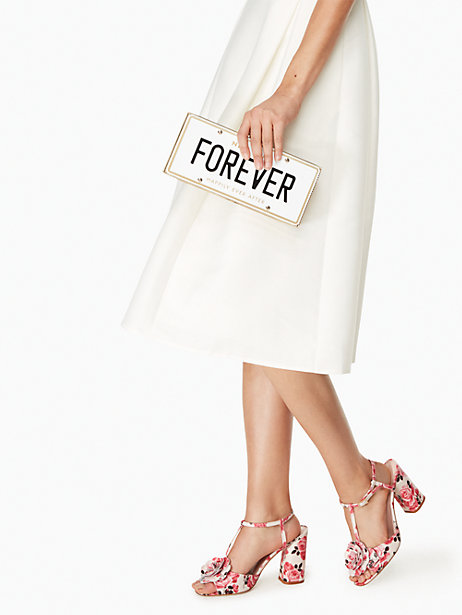 bridal-shower-gift-for-fashion-forward-bride