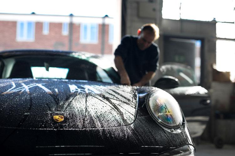 Porsche bodyshop in London.jpg.jpg