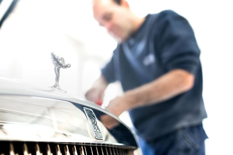 Rolls Royce bodyshop in London.jpg.jpg
