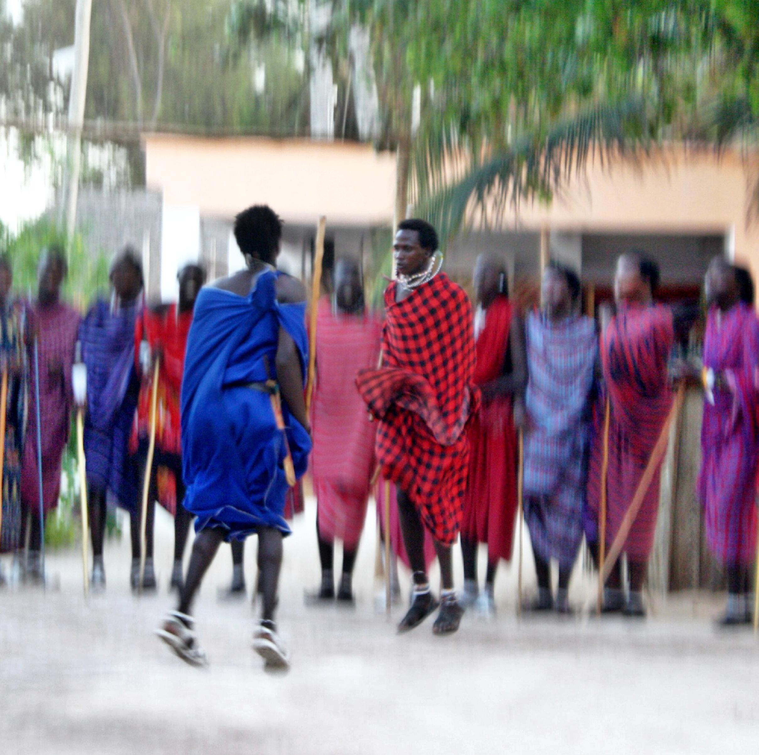Zanzibar-masai-show-jump-red-blue.jpg
