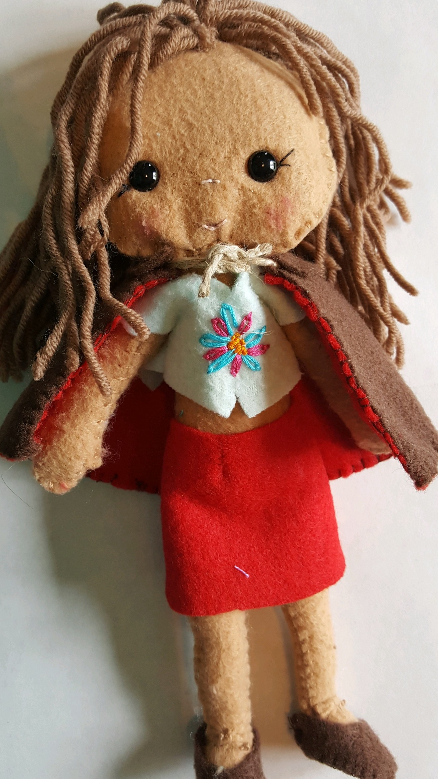 A little embroidery to make things beautiful... (Calista)