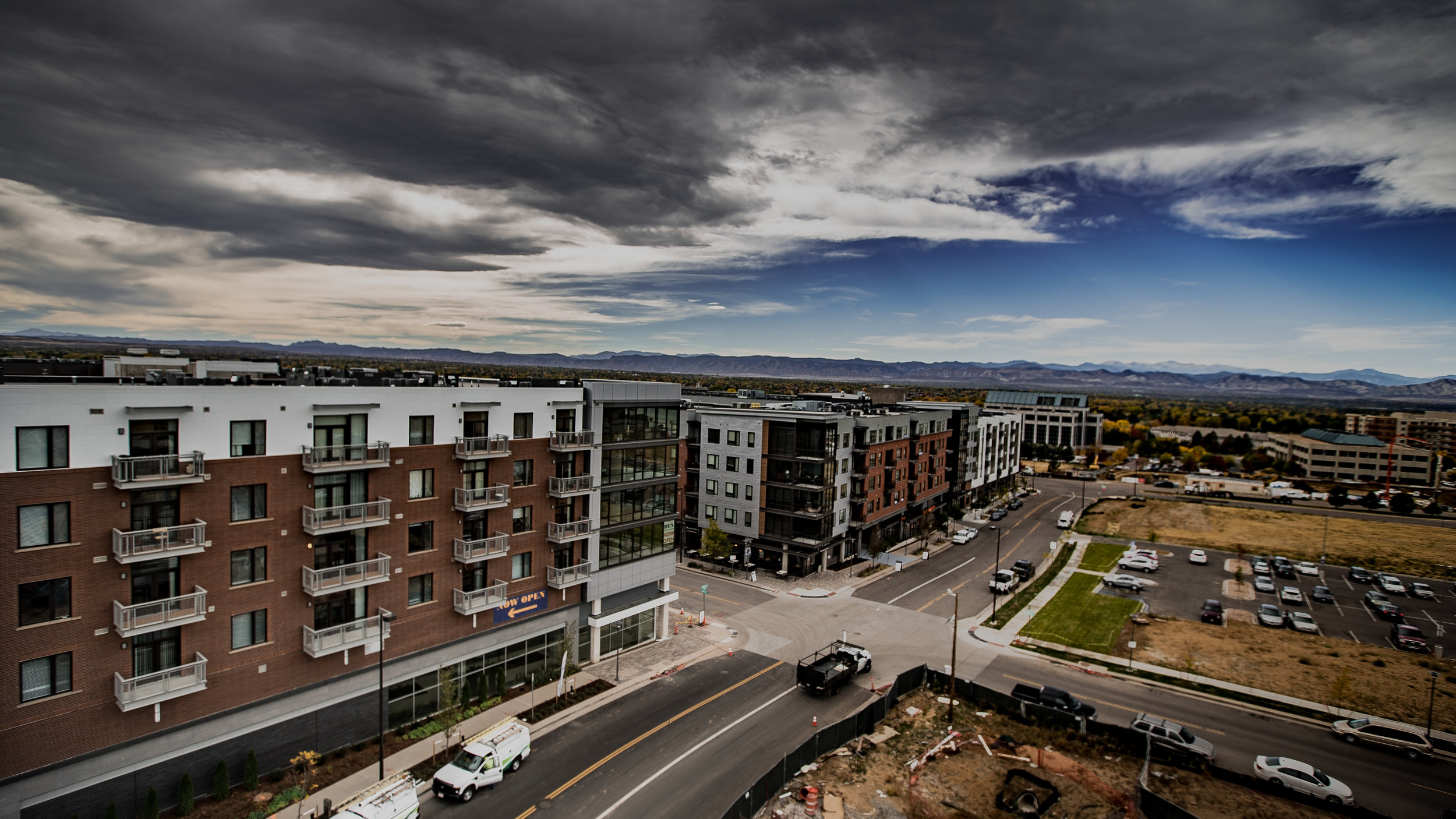 The Den Apartments in Denver Tech Center brings the luxury feeling of a boutique you expect when relaxing away from work or living life outdoors.