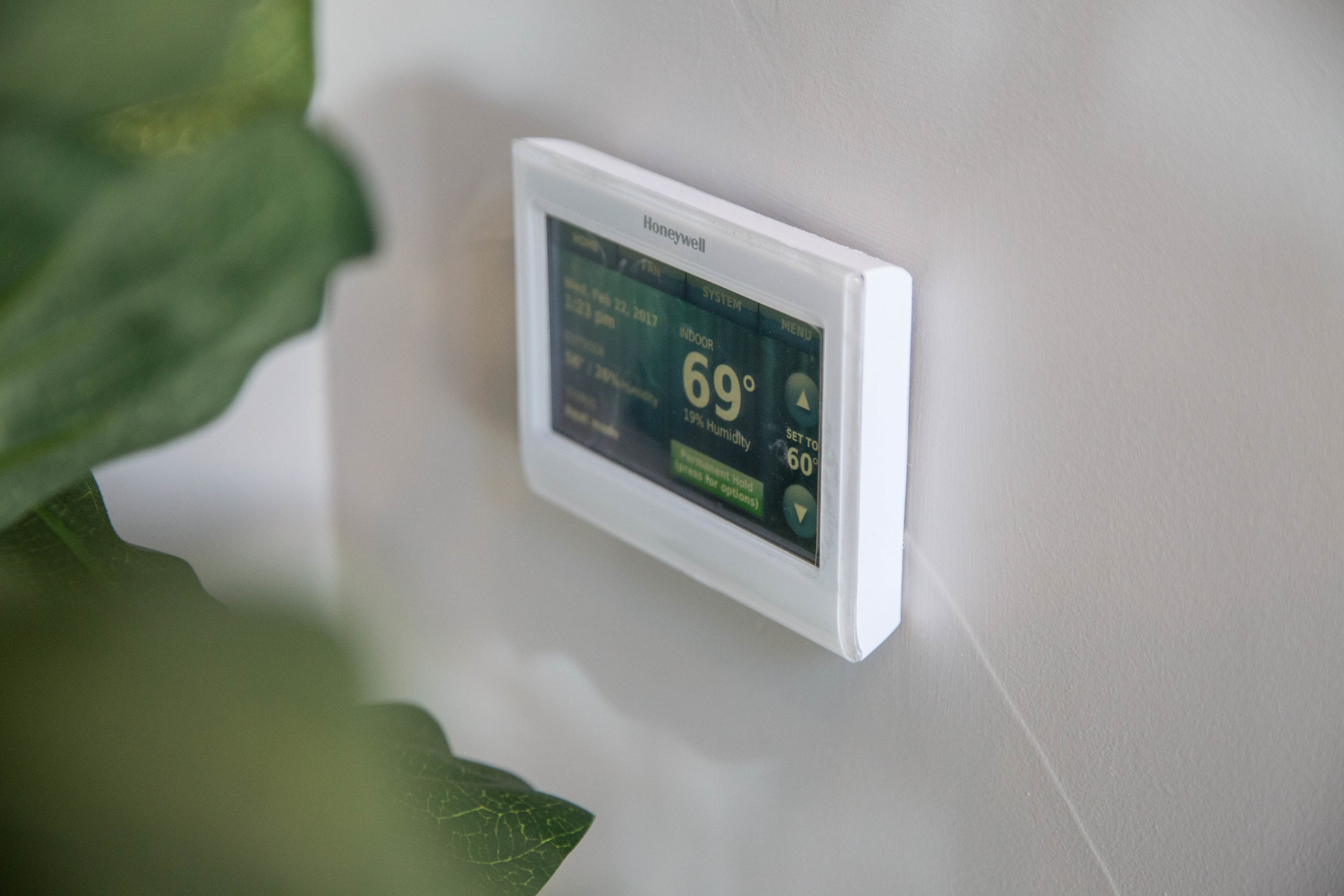 Honeywell Thermostat seamlessly syncs with Intuity by Legrand