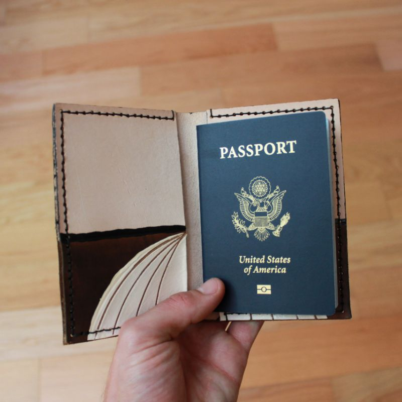 PASSPORT HOLDER - 2 - 3 HOURS