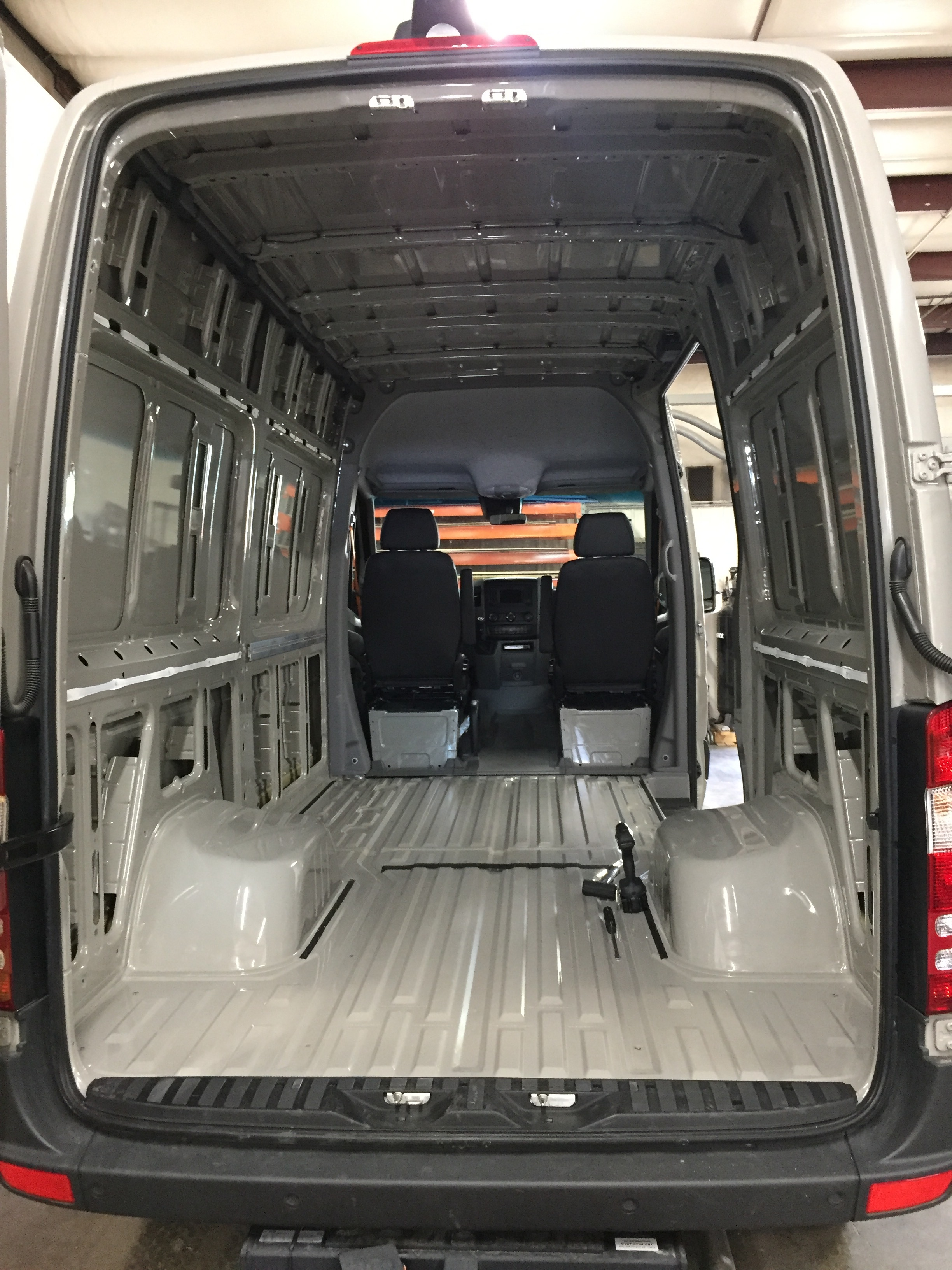 JOMOVAN — Custom Van Builder   Vanlife Customs