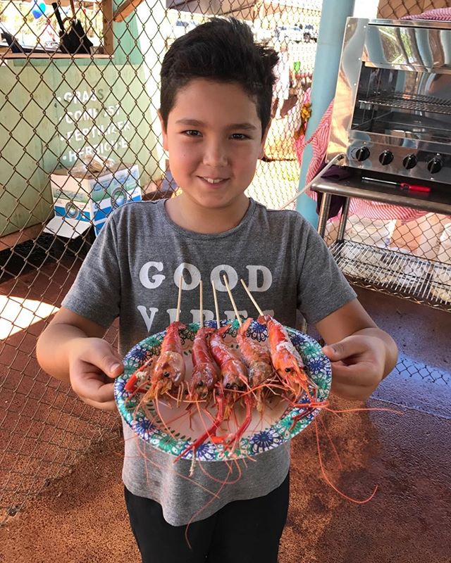 Kai grilled his catch at Ali'i Agriculture farms and enjoy eating it. You can also do the same. Please come and check it out. #prawnsfishimg.
