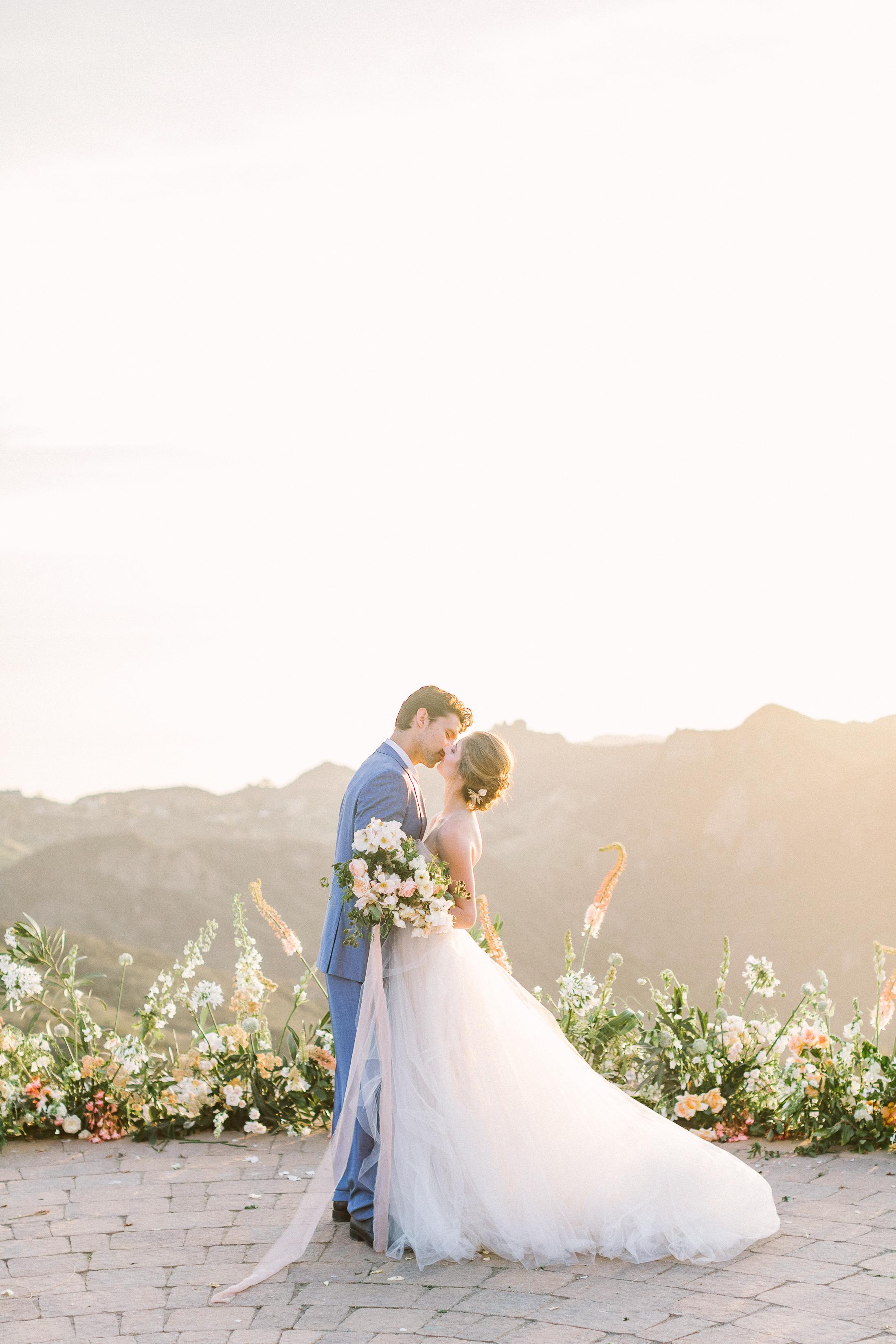 Ellen-Ashton-Photography-California-Wedding-Photographer-Malibu-Rocky-Oaks-Weddings-girt-and-gold20.jpg