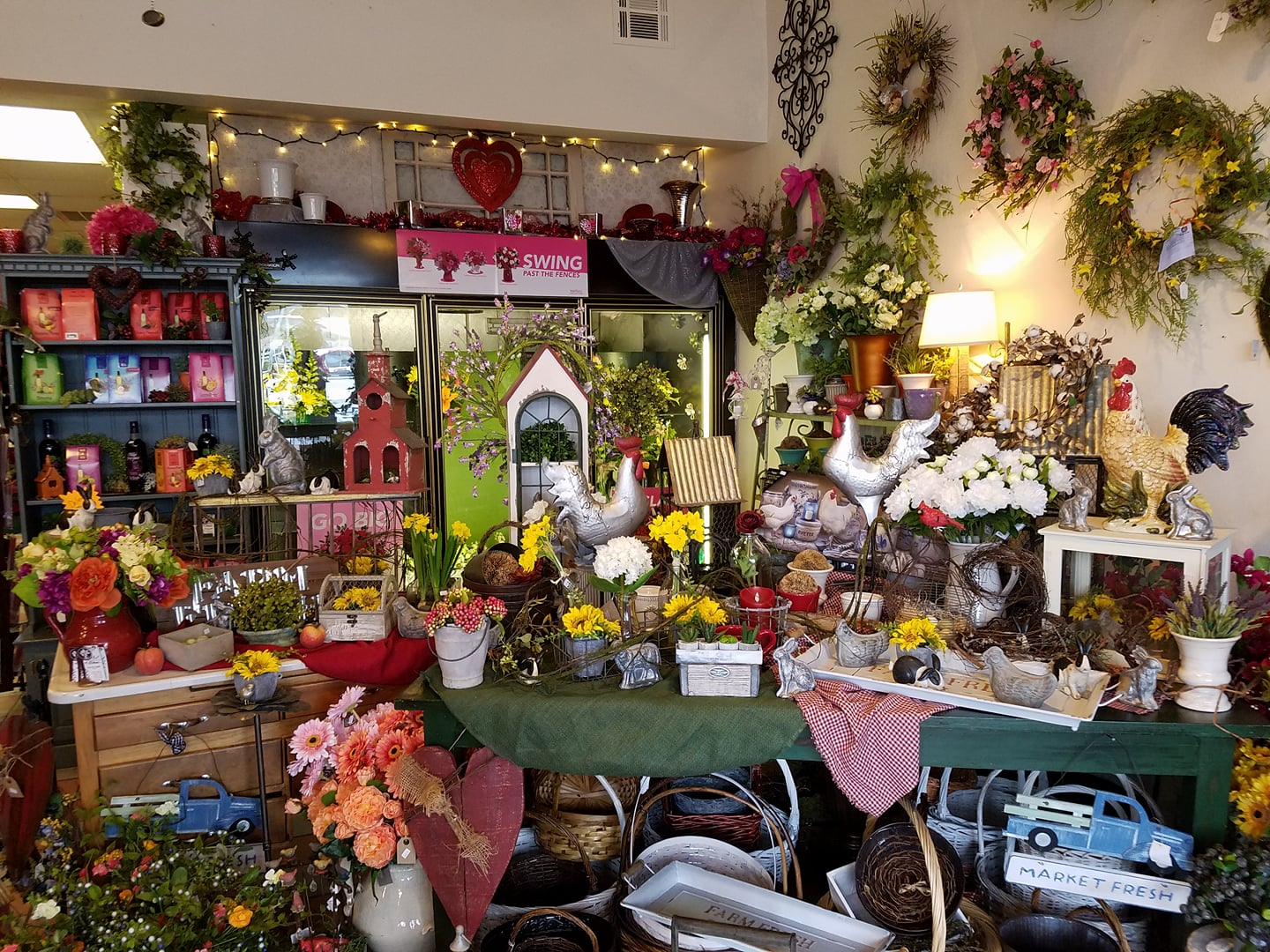 ART IN BLOOM FLOWERS & GIFTS