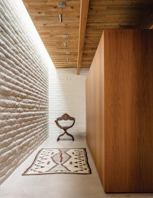 bonabode-pask-hallway.jpg