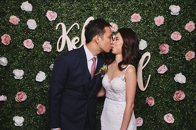 Celebrating love with our Hedge Wall! 🌹  Make it even more special by choosing your favourite colour of flowers to make this magical backdrop go with the theme of your wedding. ✨ ⠀⠀⠀⠀⠀⠀⠀⠀⠀ ⠀⠀⠀⠀⠀⠀⠀⠀⠀ ⠀⠀⠀⠀⠀⠀⠀⠀⠀ Get in touch to find out more! #getetched with #etchedphotobooth