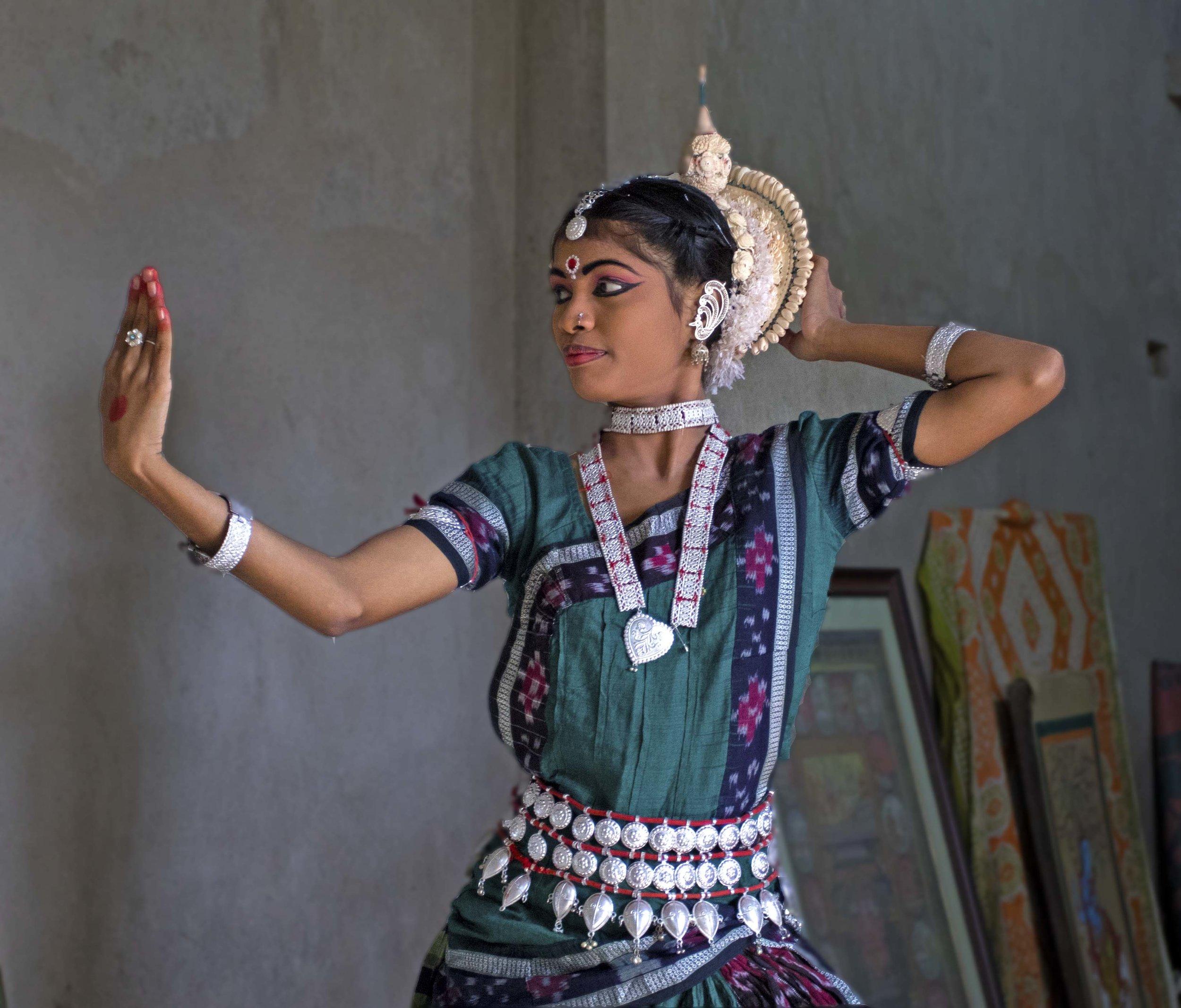 Odishi dancer at her residence.jpg