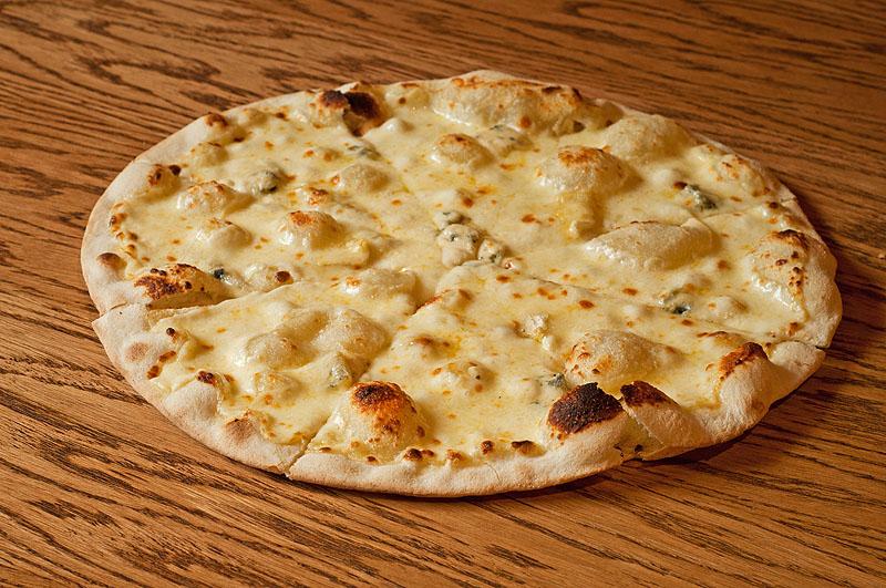 4 сыра - 560.00 р.   Скаморца, моцарелла, дор блю, камамбер. 380г