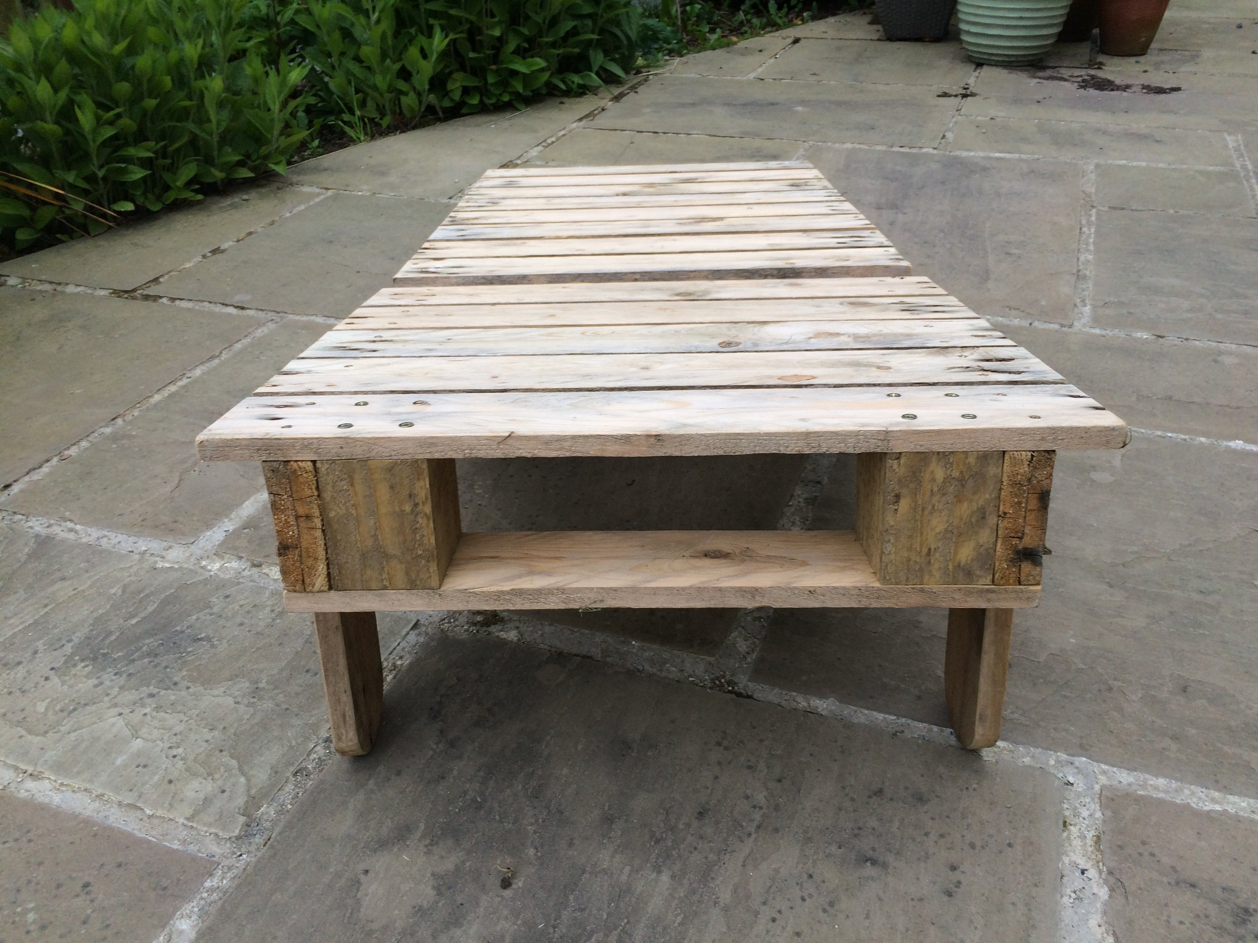 The Big Chill Sunlounger - Reclining chair made from pallets