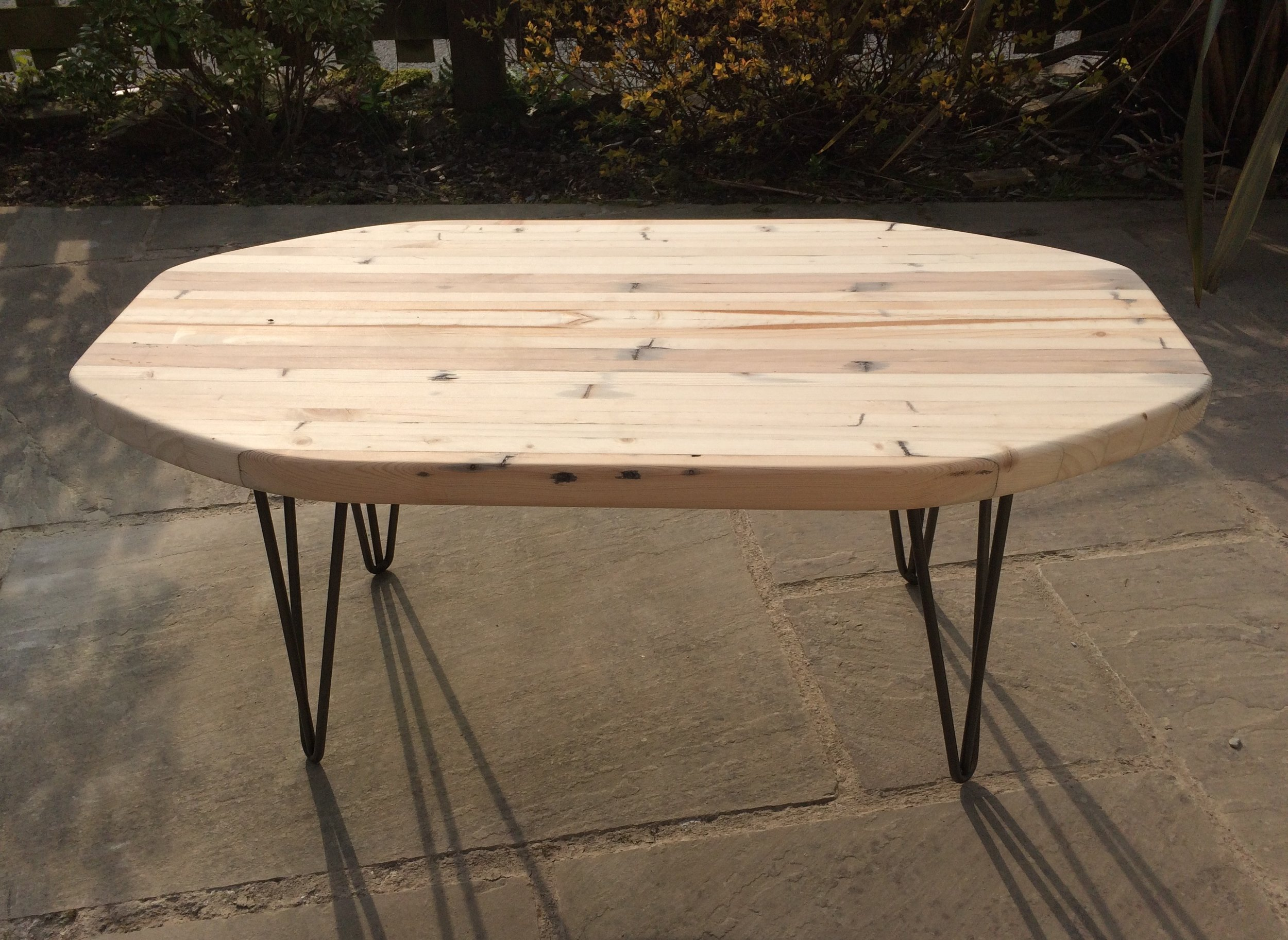 Surfstyle Coffee Table - with hairpin legs and table-top made from pallets