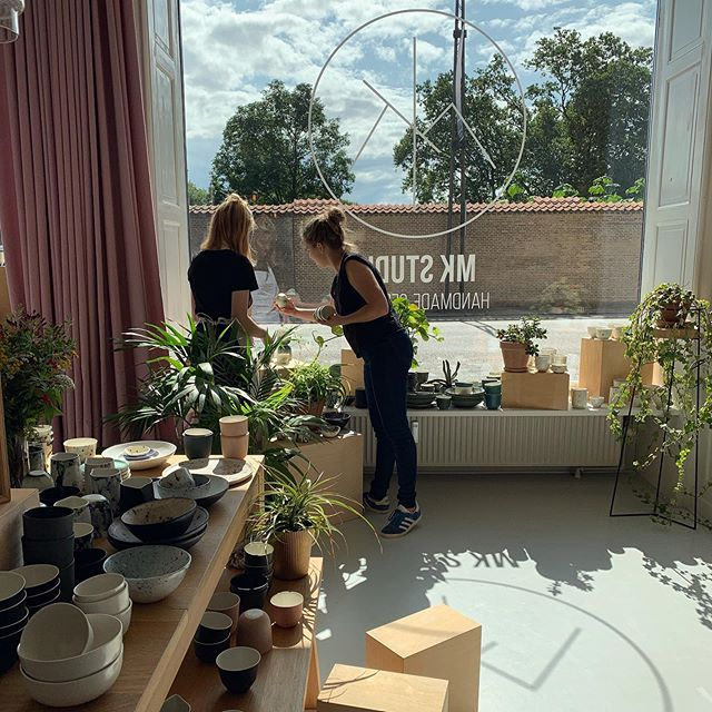 Today two of our interns took care of  the shop windows. They did a good job! I hope you will like it as well:) #handmade #coffeecup #coffeelover #minimalism #porcelain #cup #shop #decor #studio #cph #denmark #plants #ceramics #ceramicstudio #design #scandinaviandesign #nordic