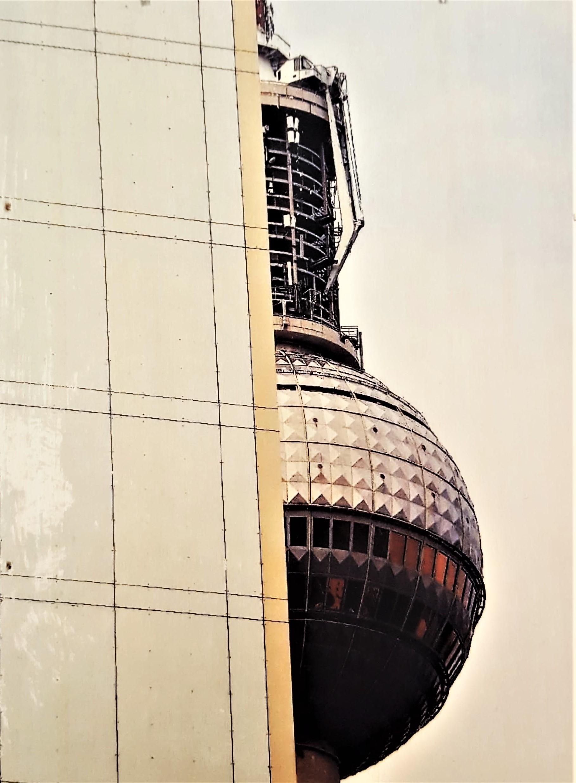 Close Up Fernsehturm.jpg