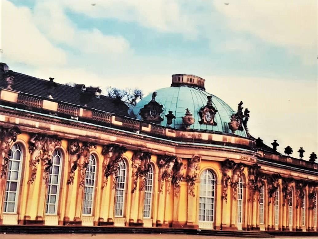 Schloss Sanssouci.jpg