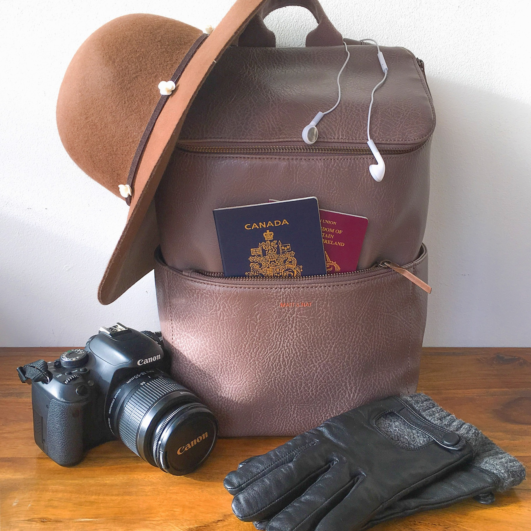 secret.honeymoons.april.shamus.packing.jpg
