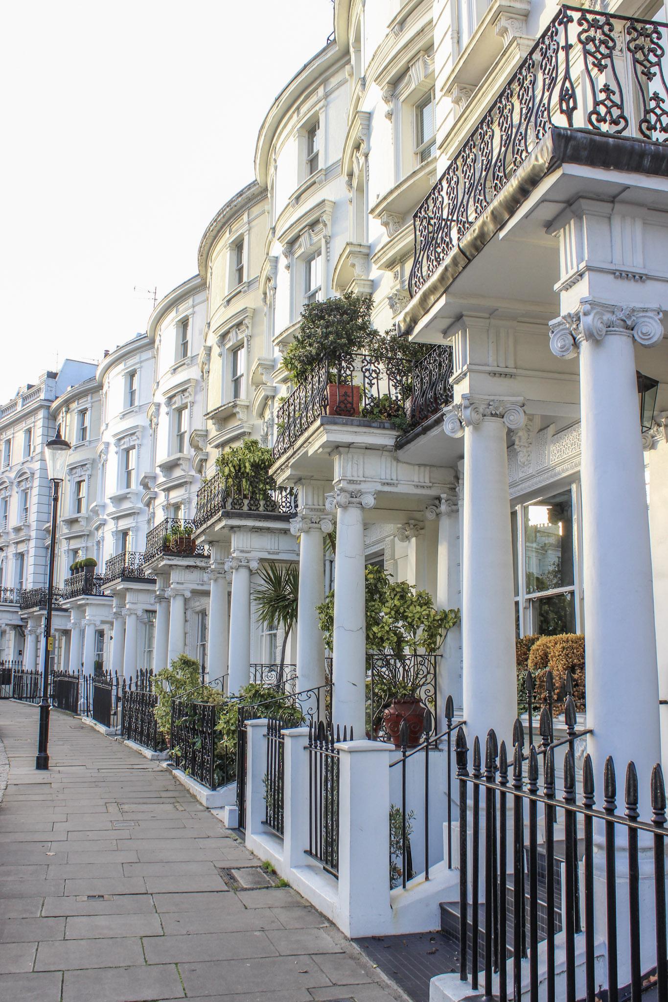 secret.honeymoons.london.streets.jpg