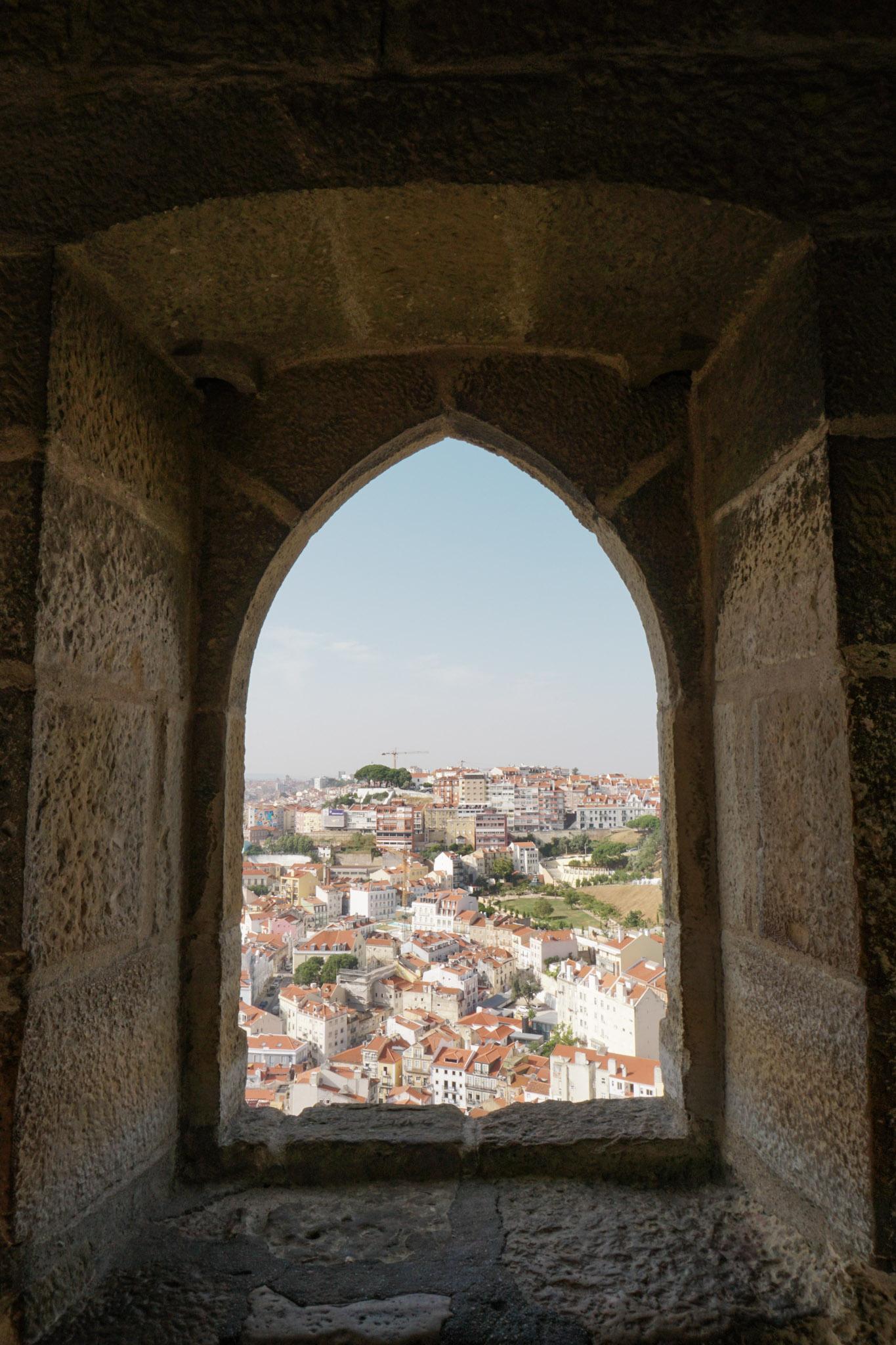 curio.trips.portugal.lisbon.castle.views.jpg
