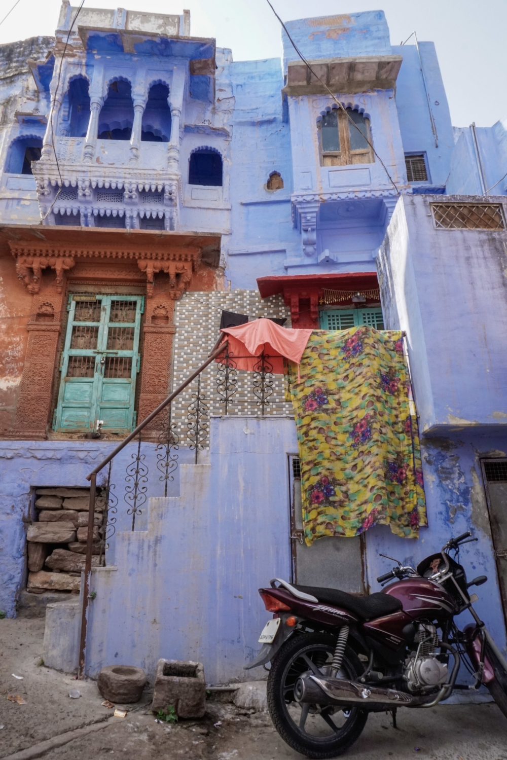 curio.trips.india.jodhpur.blue.city.scene.jpg