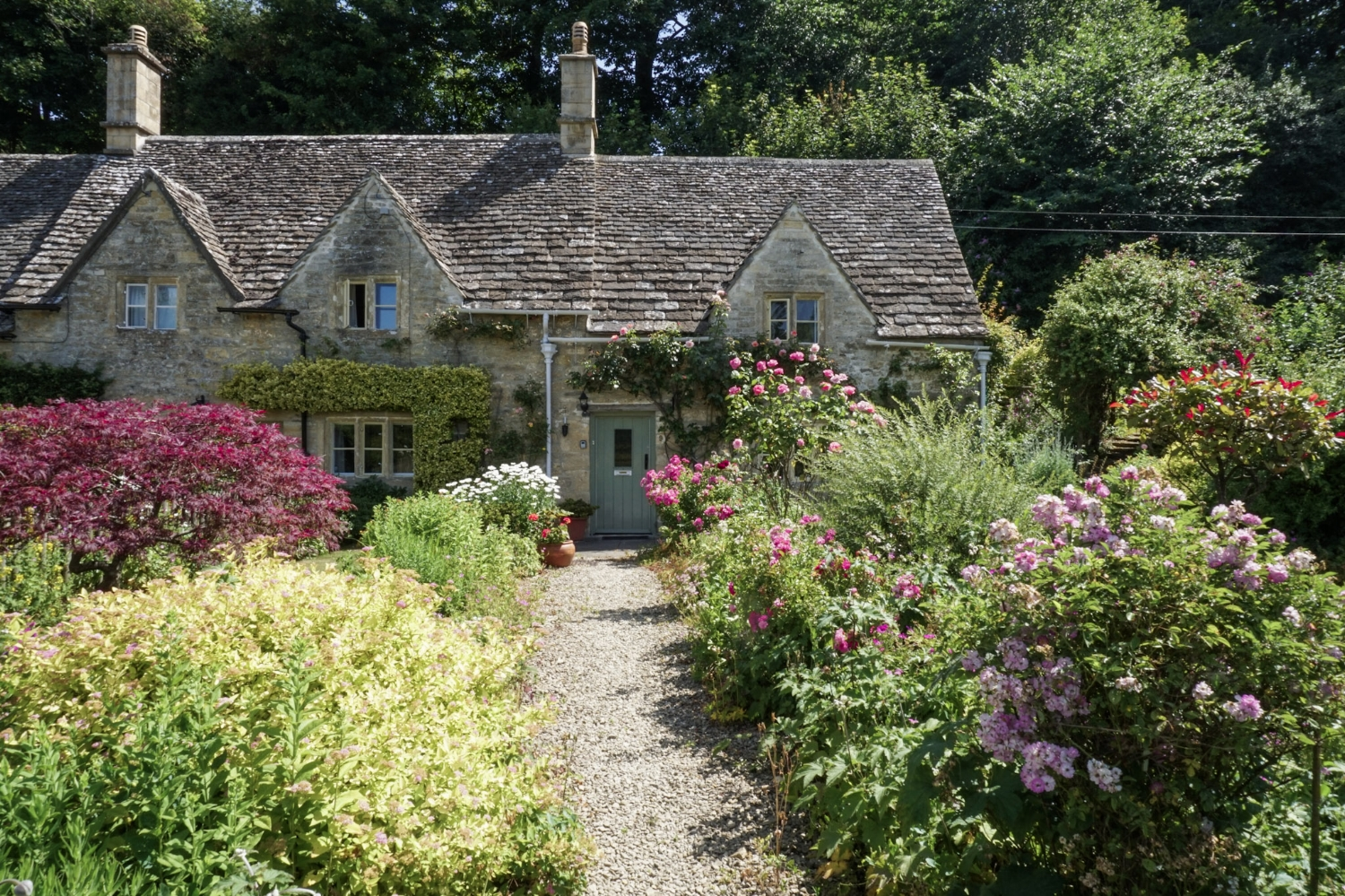 curio.trips.england.cotswolds.garden.jpg