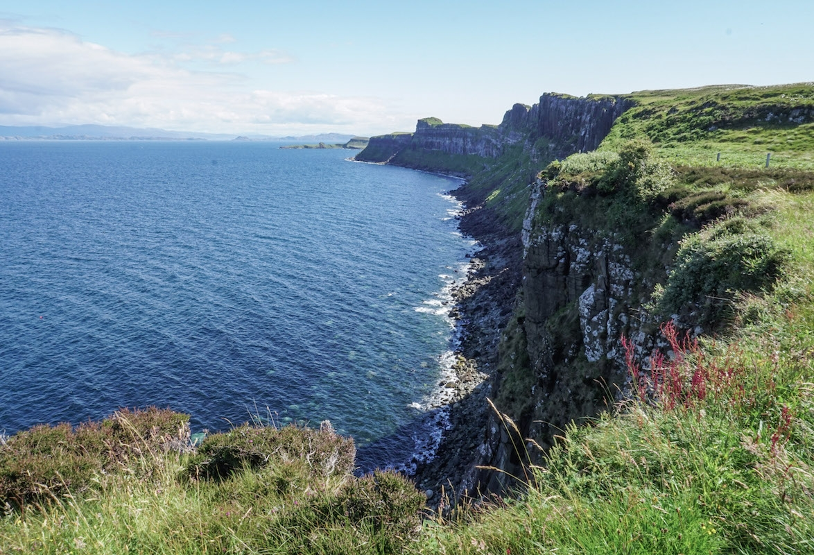 curio.trips.scotland.isle.of.sky.coastline copy.jpg