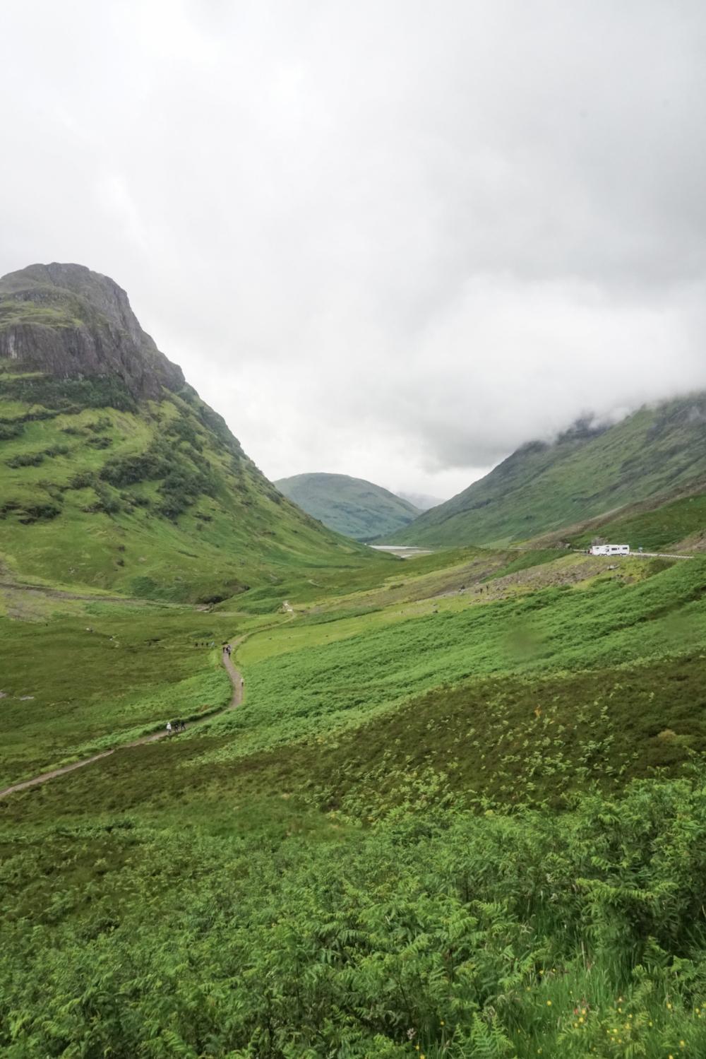 curio.trips.scotland.isle.of.sky.mountains.valleys.jpg