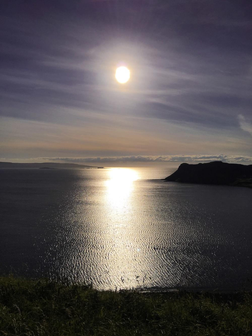 curio.trips.scotland.isle.of.sky.sunset.iphone.jpg