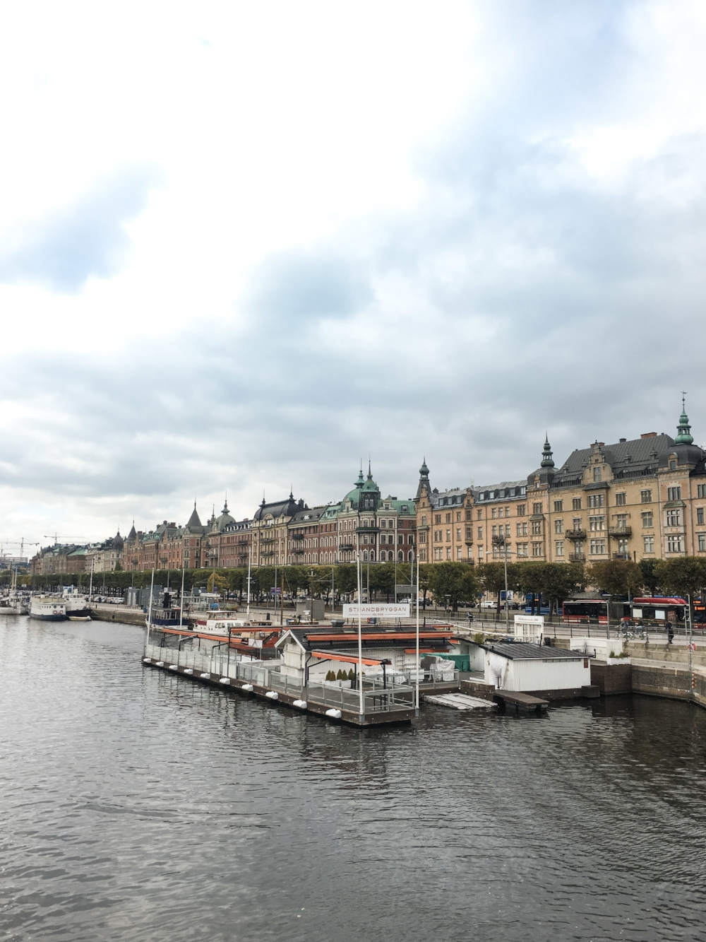 curio.trips.sweden.stockholm.river.waterfront.jpg
