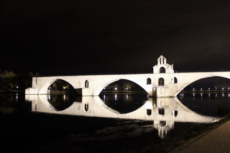 curio.trips.provence.bridge.jpg