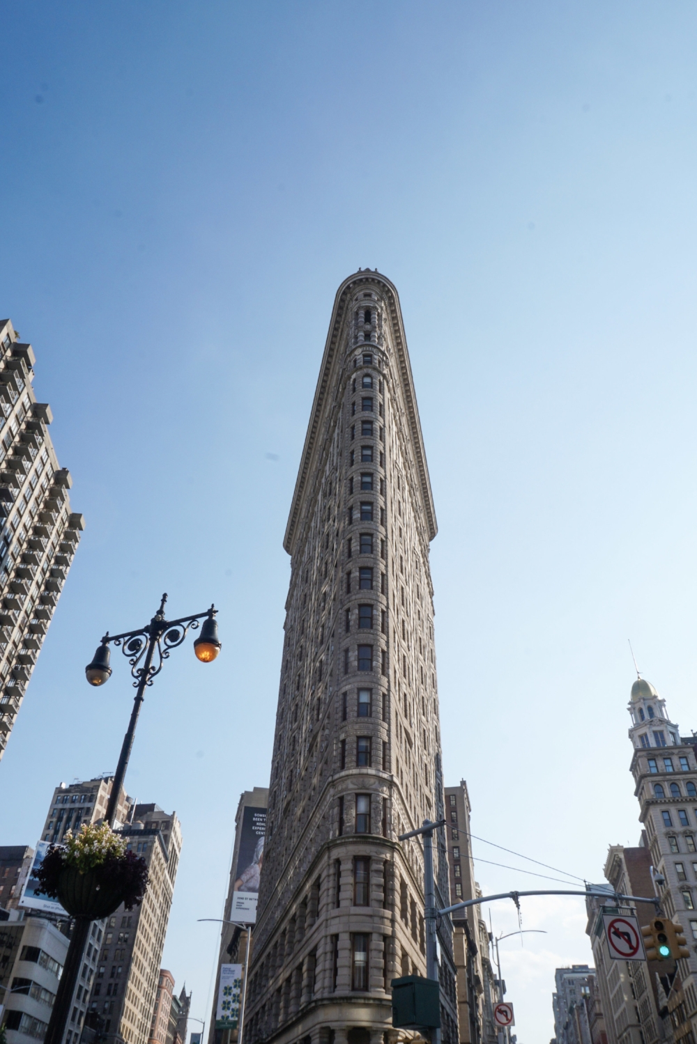 curio.trips.usa.nyc.flatiron.building.jpg