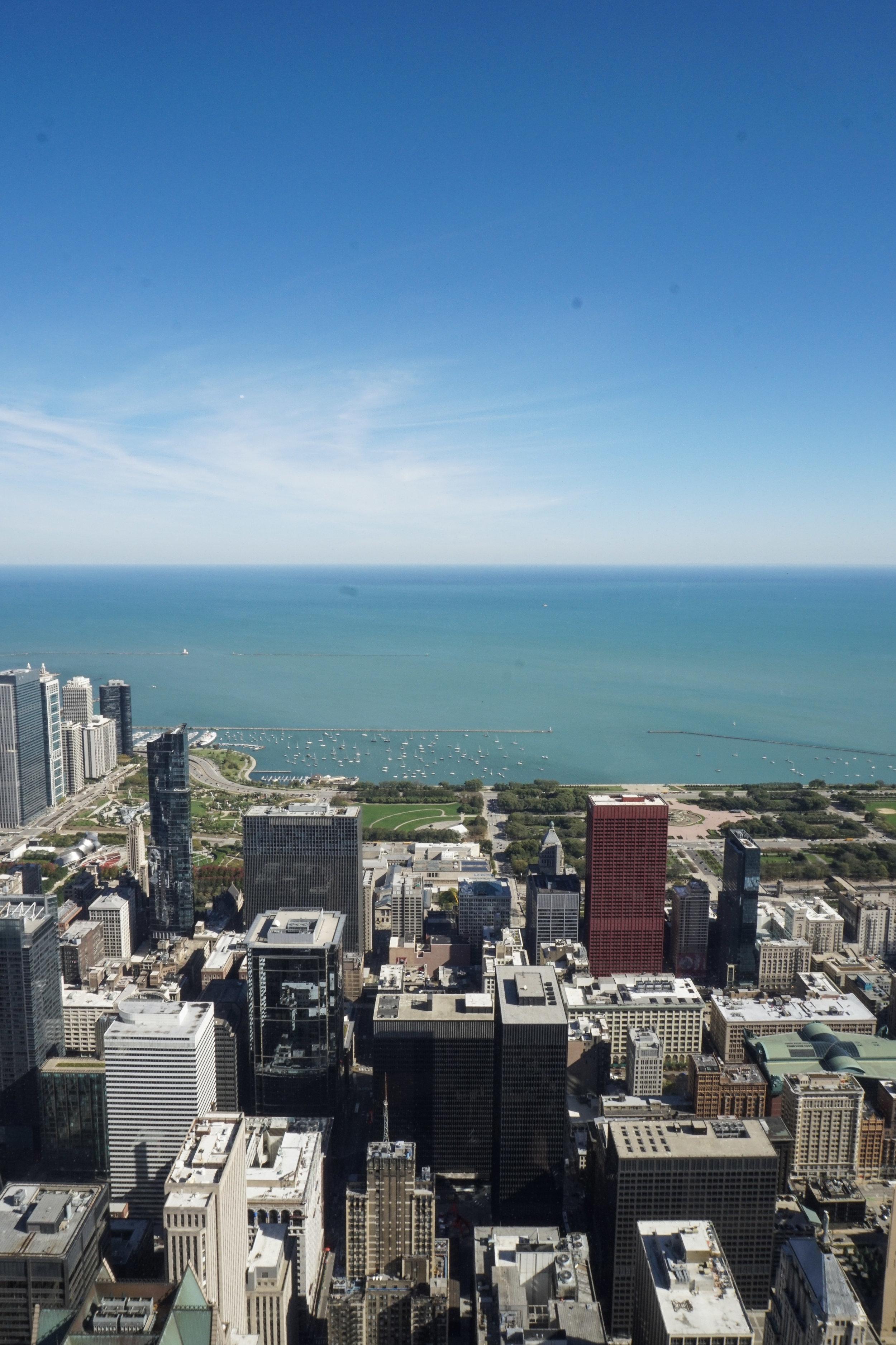 curio.trips.usa.chicago.willis.tower.lake.view.iphone.jpg