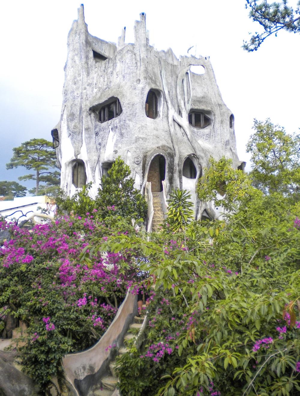 curio.trips.vietnam.crazy.house.jpg