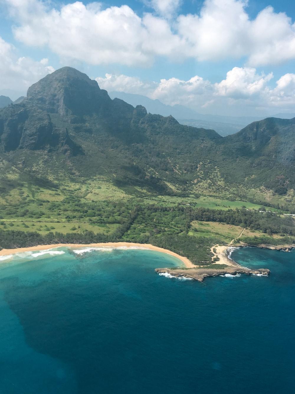 curio.trips.hawaii.kauai.coast.beach.jpg