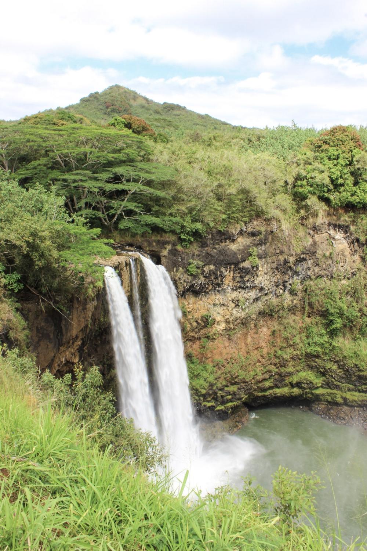 curio.trips.hawaii.kauai.waterfall.jpg