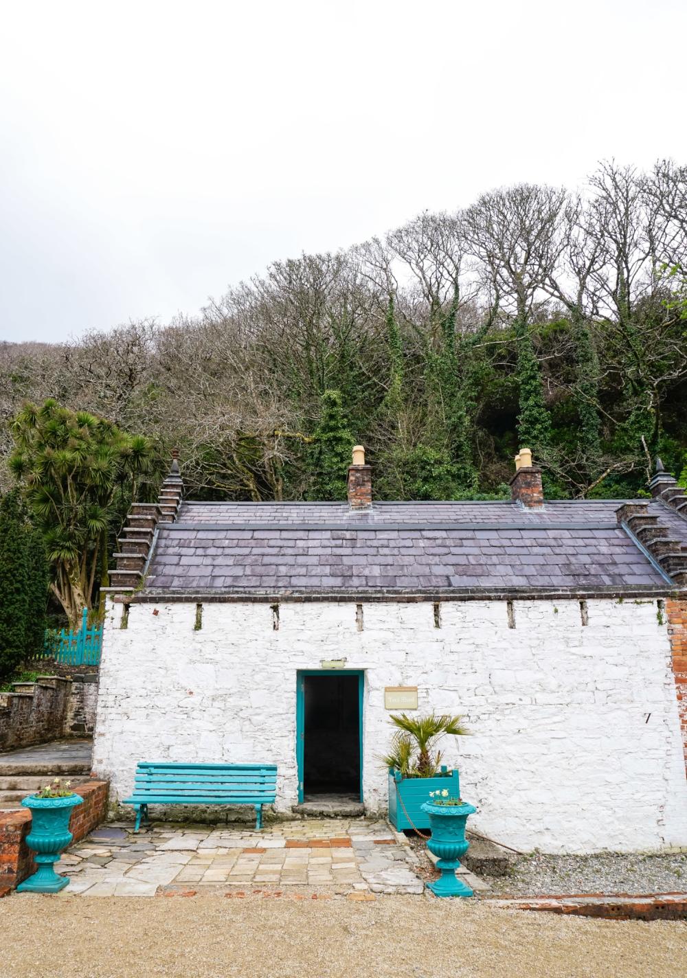 curio.trips.ireland.kylemore.abbey.garden.cottage.jpg