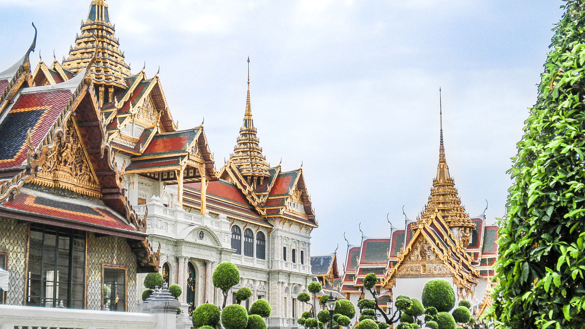 curio.trips.thailand.bangkok.temple.roof.landscape-2.jpg