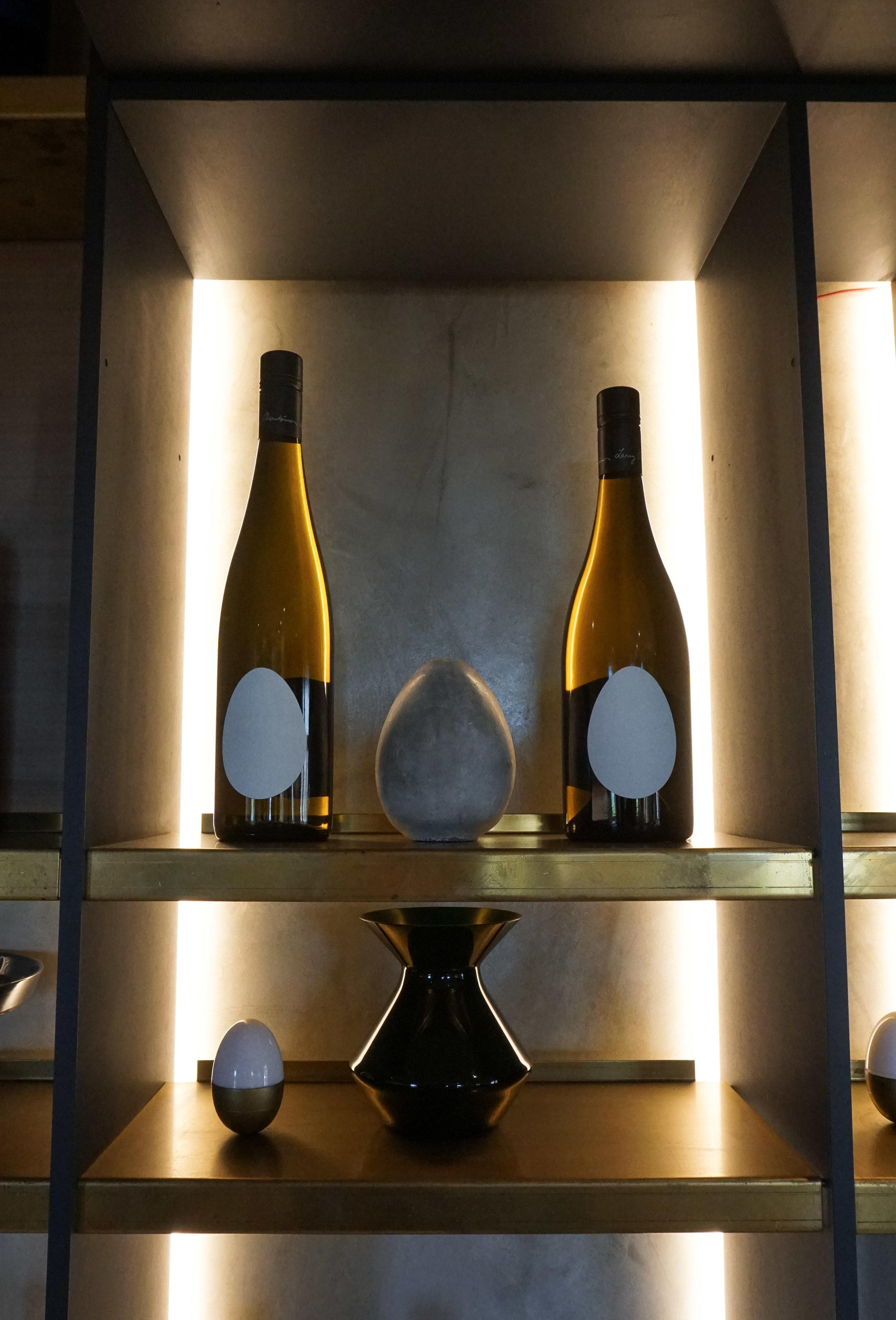 curio.trips.australia.western.winery.interior.wine.portrait.jpg