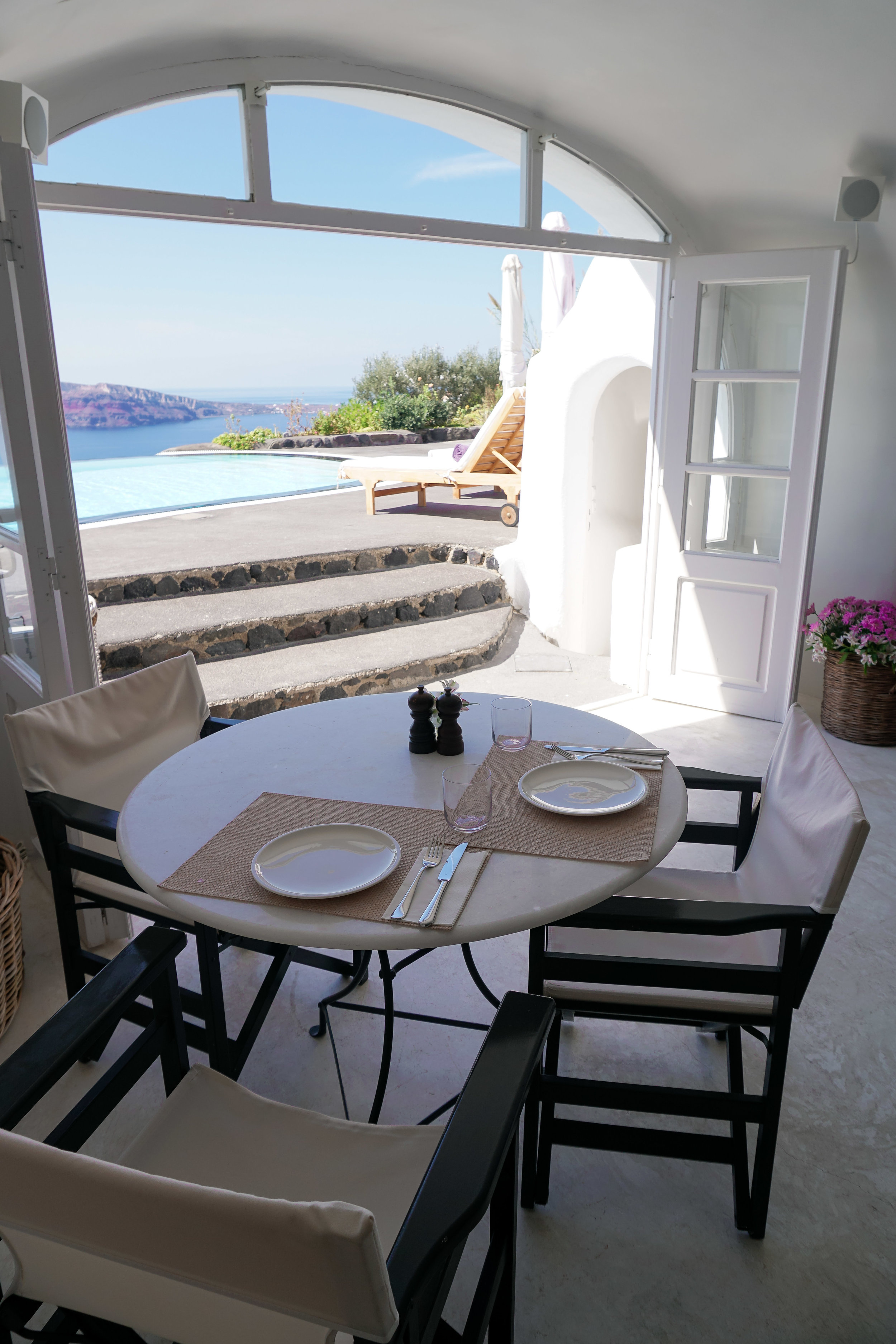 curio.trips.greece.santorini.hotel.restaurant.view.portrait.jpg
