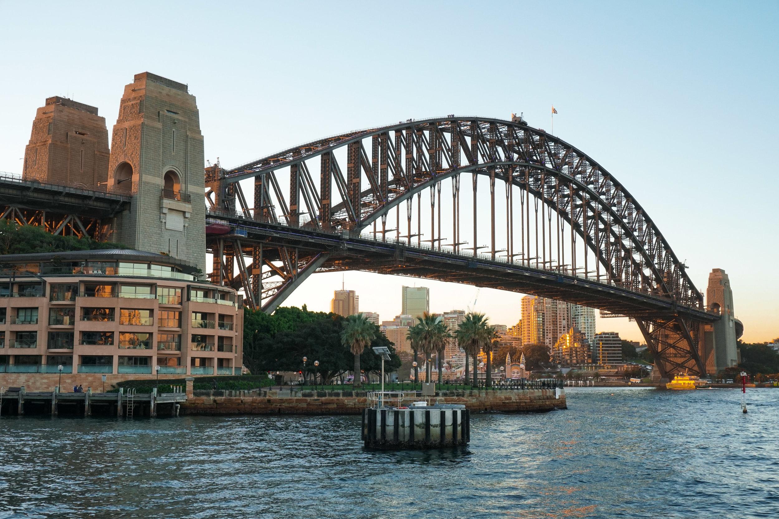 curio.trips.australia.sydney.harbour.bridge.landscape.jpg
