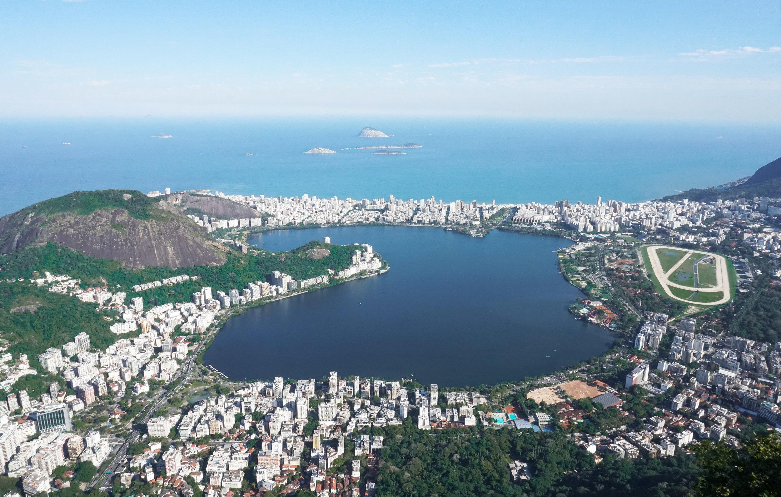 curio.trips.brazil.rio.de.janeiro.corcovado.view.landscape.jpg