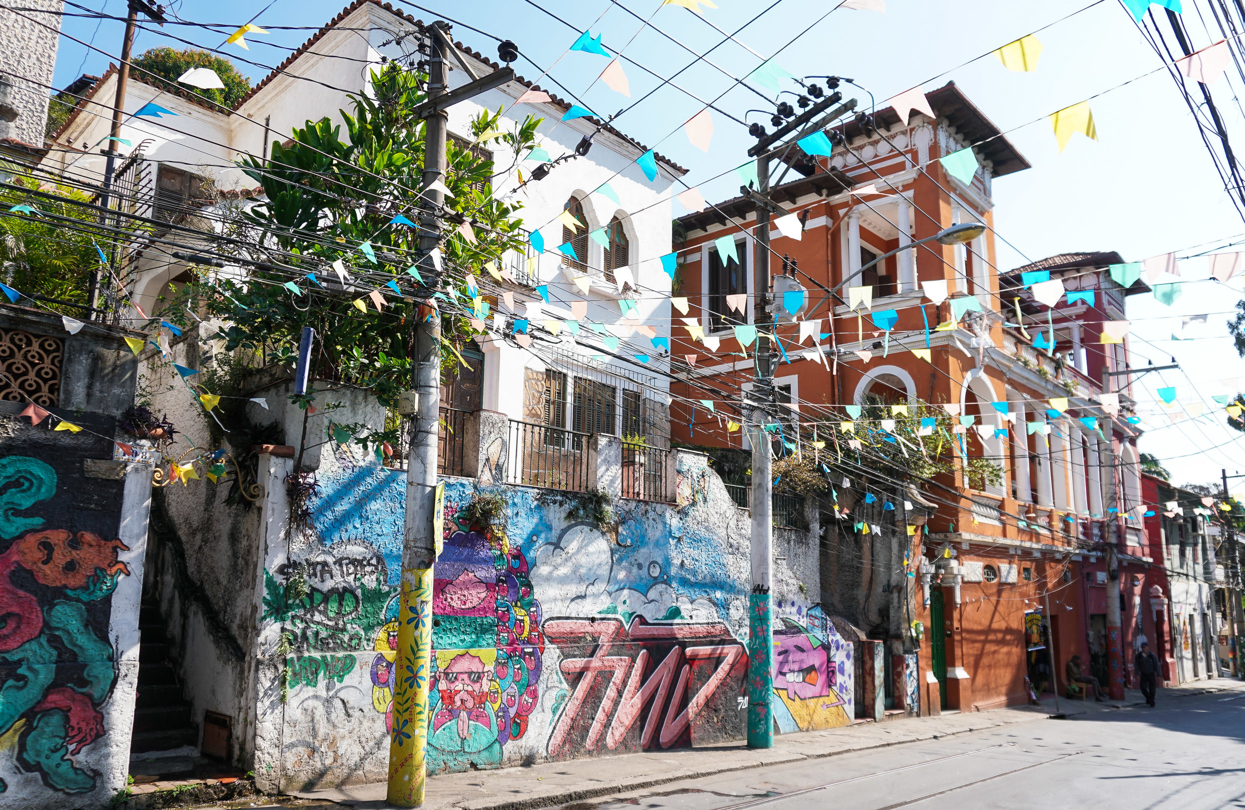 curio.trips.brazil.rio.de.janeiro.carnival.street.landscape.jpg