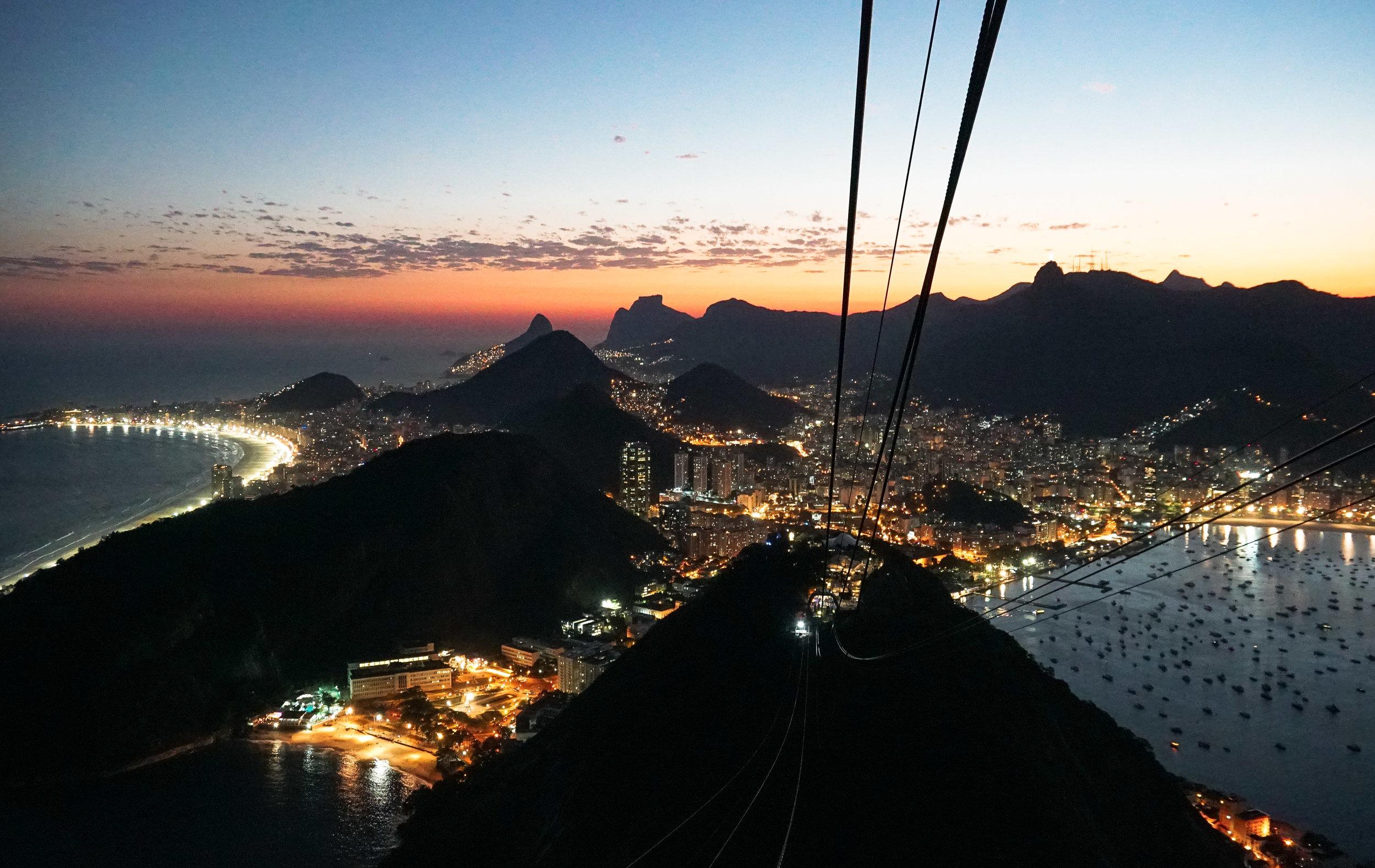 curio.trips.brazil.rio.de.janeiro.sugar.loaf.night.view.landscape.jpg