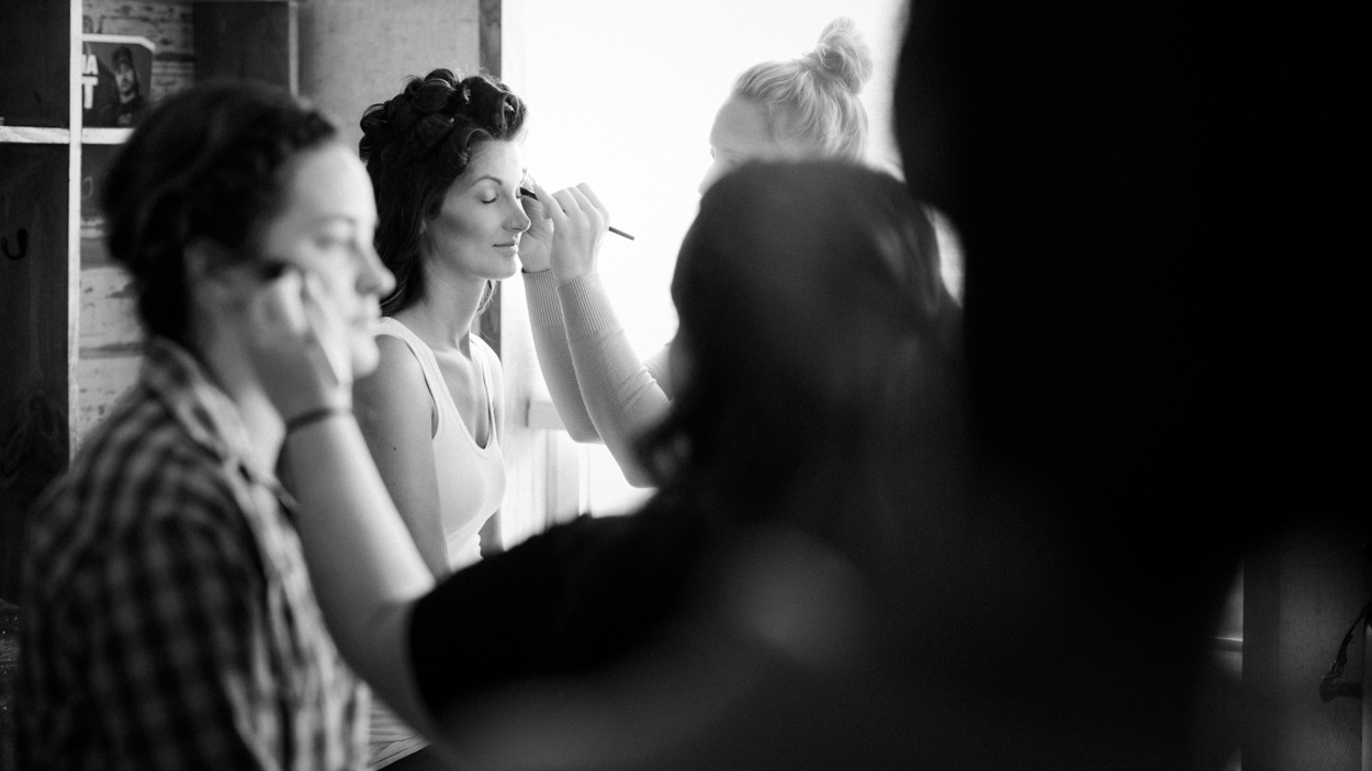 Getting ready for wedding, makeup.